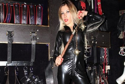 Mistress Emma in the Hague