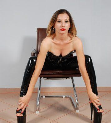 Foto's of Mistress Emma