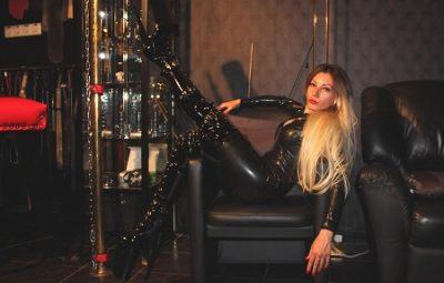 Mistress Emma Rates